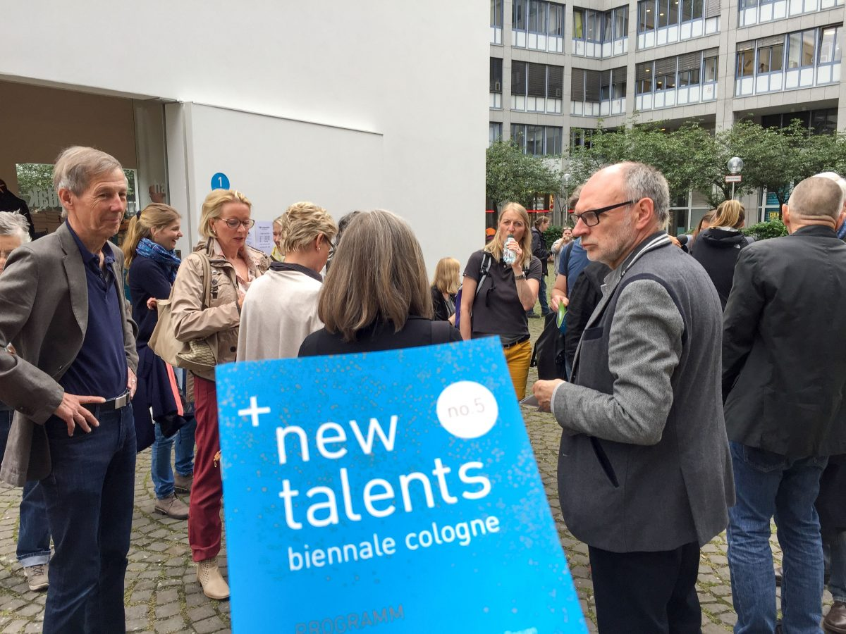 Eindrücke von der Führung über den Kunstparcours der new talents biennale