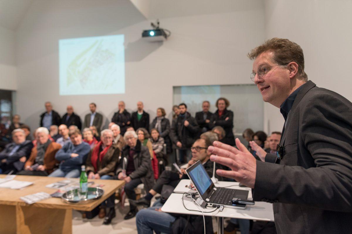 Großer Besucherandrang zur Veranstaltung mit Dezernent Höing